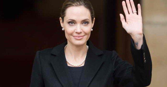 197_Angelina-Jolie