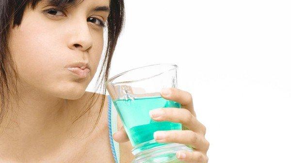CT  XX 062911-HEALTH sc-health-0629-dental-health-mouthwash MJW